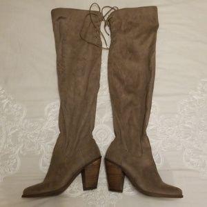 Knee Hign Boots